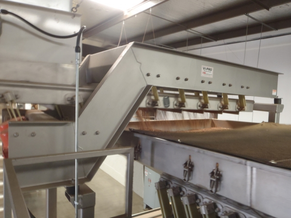 VWM Distribution Vi-Pro Vibratory Conveyor Evenly Spreads Product Across Vi-Pro Size Graders