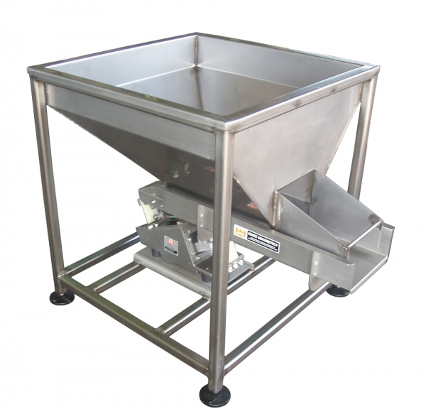VWM Infeed Hopper with Vibratory Product Metering Shaker
